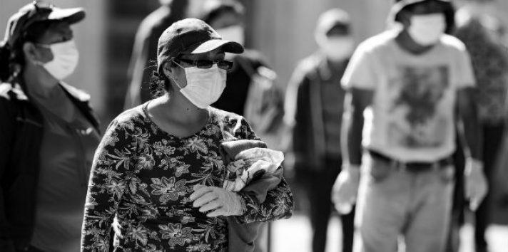 Sé obediente a las indicaciones sanitarias y recuerda la desobediencia pueda traernos desgracias que después nos lamentaremos.  Foto: EFE.