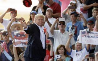 Pasó su tercer fin de semana como presidente en su club privado en Florida. /Foto AP