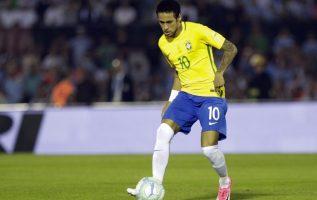 Neymar anotó el tercer gol de Brasil anoche. /Foto AP