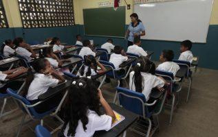 De seguir el aumento del costo de la educación privada se espera más traslados a escuelas públicas. /Foto Archivo