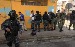 Los propietarios de Mossack Fonseca permanecen arrestados. /Foto Archivo