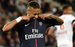 Neymar mostró su descontento con la directiva del Barcelona.