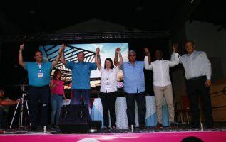 Altos directivos de Cambio Democrático se reunieron con convencionales ayer para consolidar la unidad del partido. Edward Santos