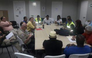 Una reunión, que duró varias horas en la tarde de ayer, sostuvieron las partes en conflicto con la mediación del Ministerio de Trabajo. Cortesía