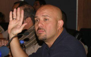 """Rolando Mirones calificó de """"juego peligroso"""" las recientes interpretaciones del Tribunal Electoral; dijo que favorecen al Gobierno.  Archivo"""