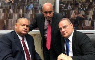 Robinson (izquierda) desmintió que haya división en el PRD. Twitter