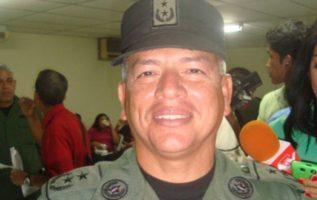 Comisionado Roberto Castillo.