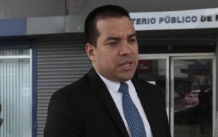 """""""Gobierno tiene sus manos metidas en la justicia"""", dice Camacho. /Foto Archivo"""