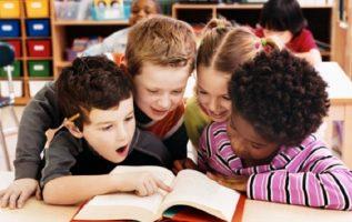 Los buenos hábitos de lectura se adquieren con más facilidad desde tierna edad. Foto: Pixabay