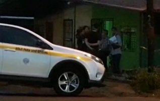 Personal de criminalistica acudió a la residencia. Foto: Mayra Madrid.