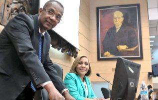 La bancada del PRD podría estar aceptando las dos vicepresidencias y que Ábrego sea presidenta.