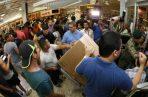 Desde este viernes cientos de personas empezaron a aprovechar el Black Weekend en Panamá.