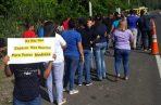 La comunidad de Panamá Norte realizó una cadena humana en el lugar donde ocurrió el fatal accidente de tránsito en el que murieron cinco personas. Foto Jesús Simmons @Jesus06041973