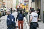Bomberos franceses y Médicos de Urgencias (SAMU) en el lugar de la explosión. Foto: EFE.