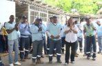 Trabajadores piden el pago de tres quincenas atrasadas.