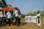 Siguen los entierros masivas en Sri Lanka. FOTO/AP