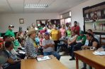 Reunidos en el Consejo Municipal de Parita, un grupo de moradores conversó con los concejales y representantes del proyecto, para pedir que el mismo sea retirado. Foto/Thays Domínguez