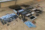 Desde televisiones hasta consolas de videojuegos fueron decomisados en el Centro Penitenciario La Joya. Foto Cortesía