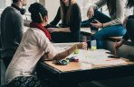 Ocho de las once escuelas están alcanzando las metas de integración actualmente. (Foto: Pixabay)