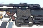 Dentro de las armas encontradas están: 13 fusiles de guerra un rifle, 16 pistolas y 4 escopetas.