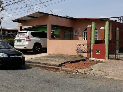 Residencia donde ocurrieron los crímenes. Foto de Eric Montenegro